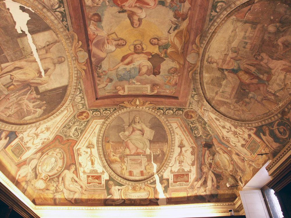 01-il-soffitto-decorato-della-sala_stato-di-fatto