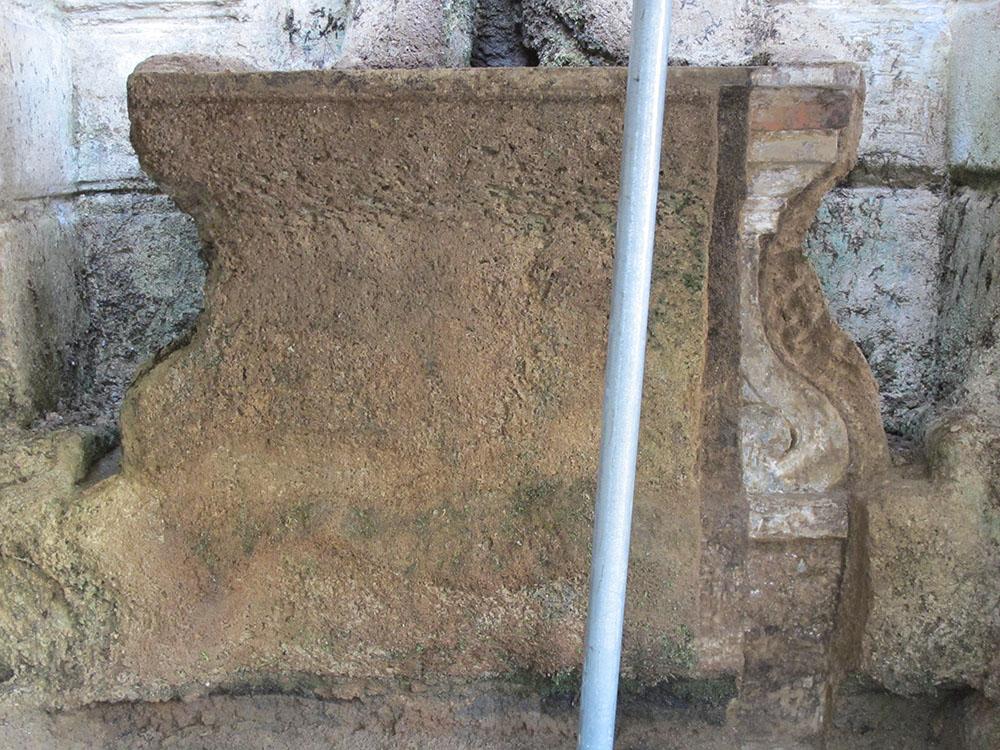 02 prove di pulitura su uno degli elementi della fontana