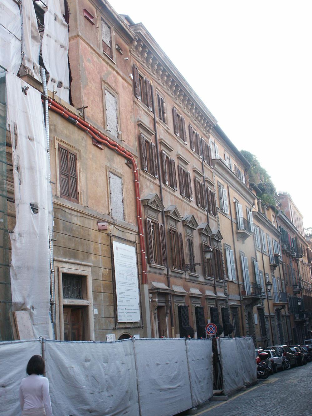 03-la-facciata-del-Palazzo-su-Via-Gregoriana-stato-di-fatto
