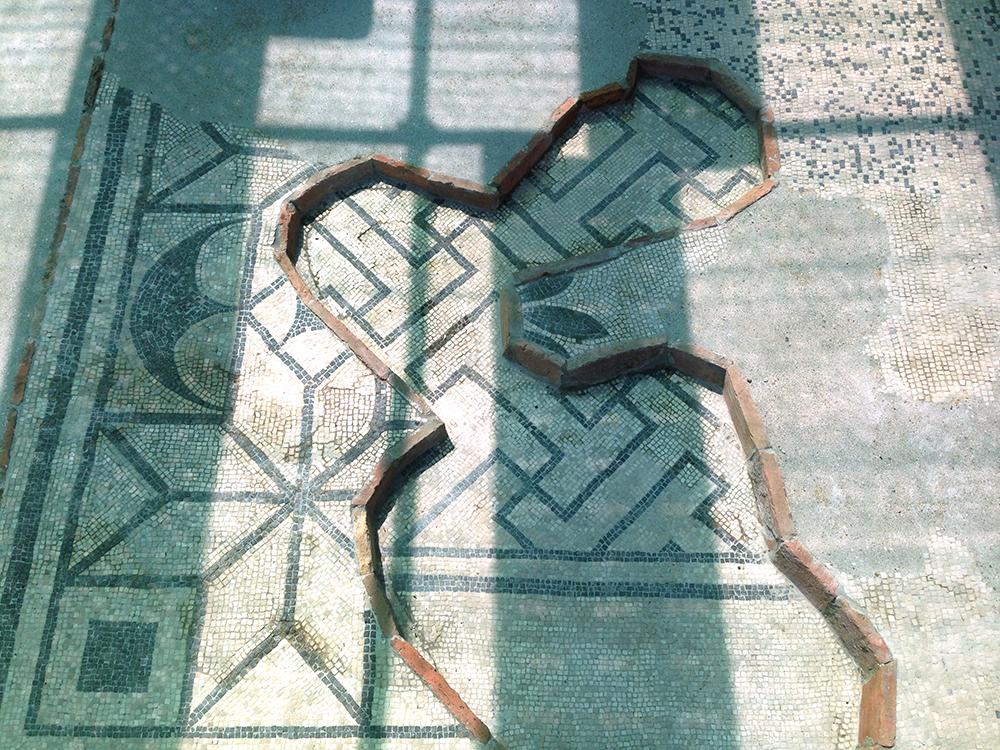 05f il dettaglio della pavimentazione dopo gli interventi di restauro
