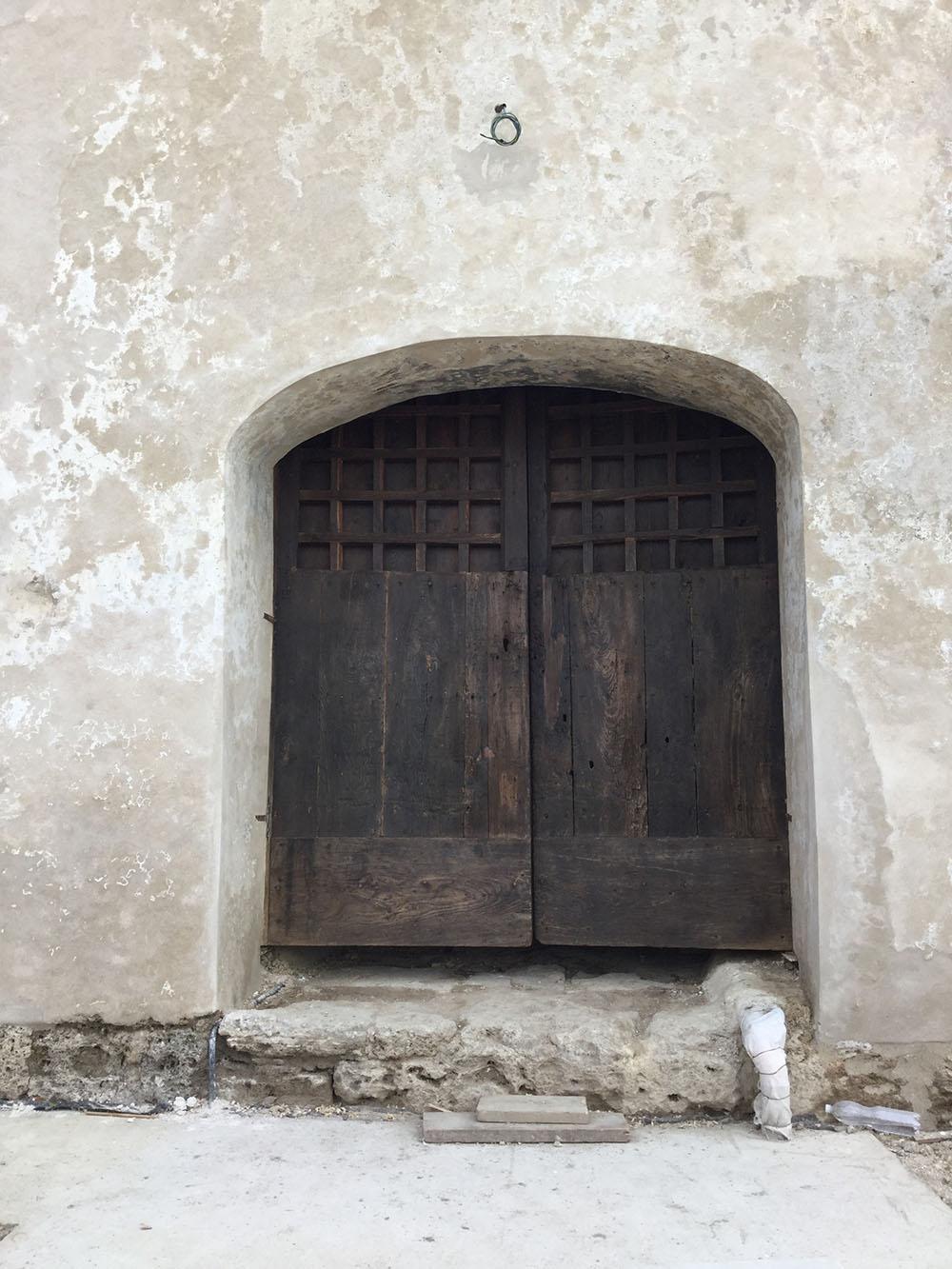08 gli interventi sul portale d'ingresso della torre