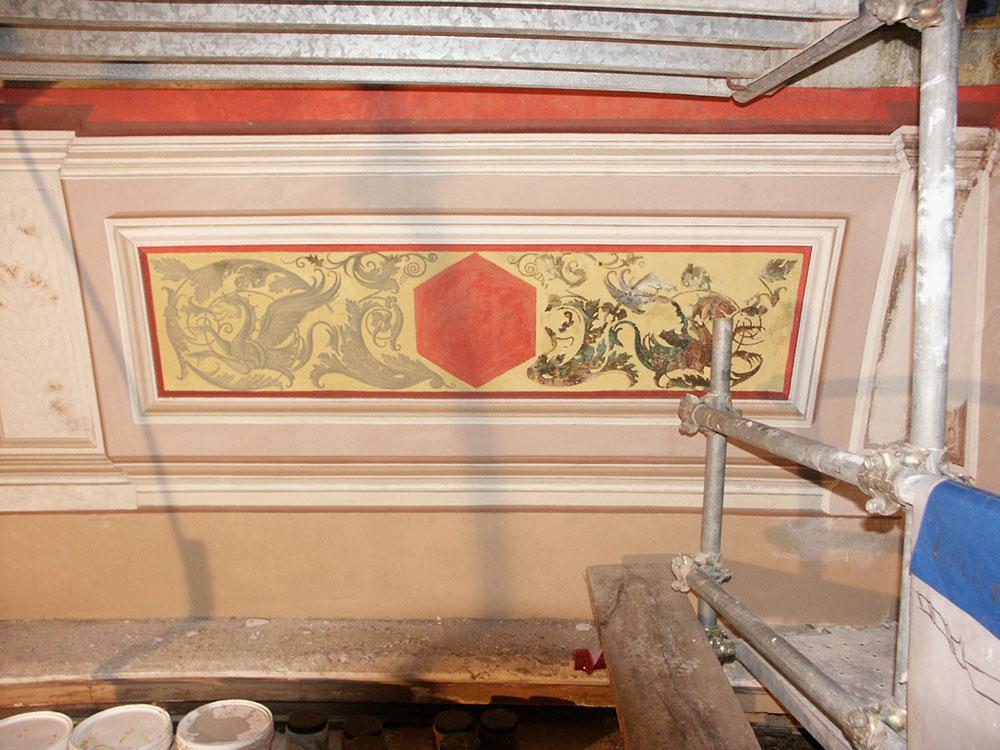 10-il-restauro-dei-dipinti-murali-della-cupola-della-Cavea