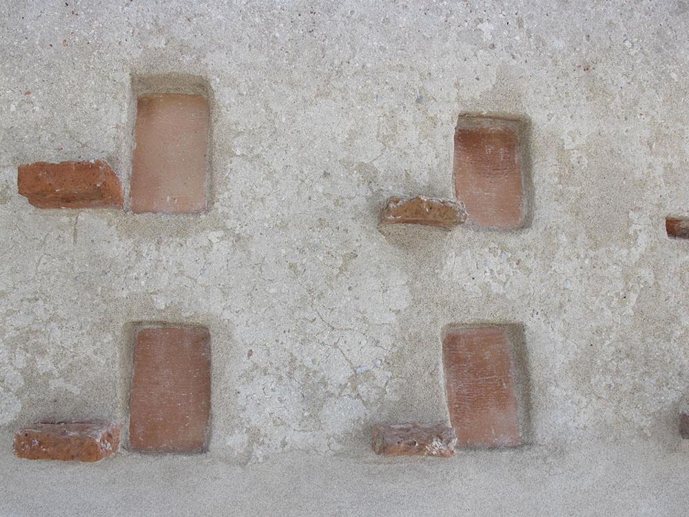 10a dettaglio delle colombaie durante i restauri