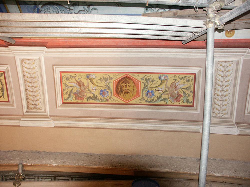 10c-una-porzione-dei-dipinti-murali-dopo-gli-interventi-di-restauro
