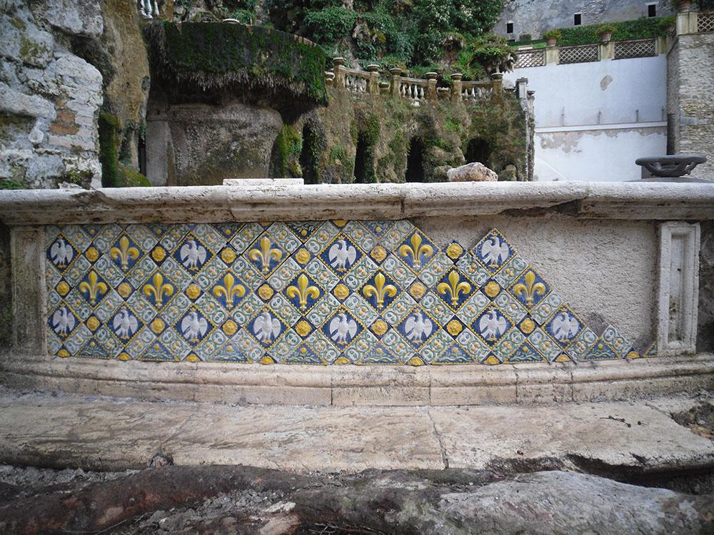 14 la fontana durante la ricollocazione delle mattonelle