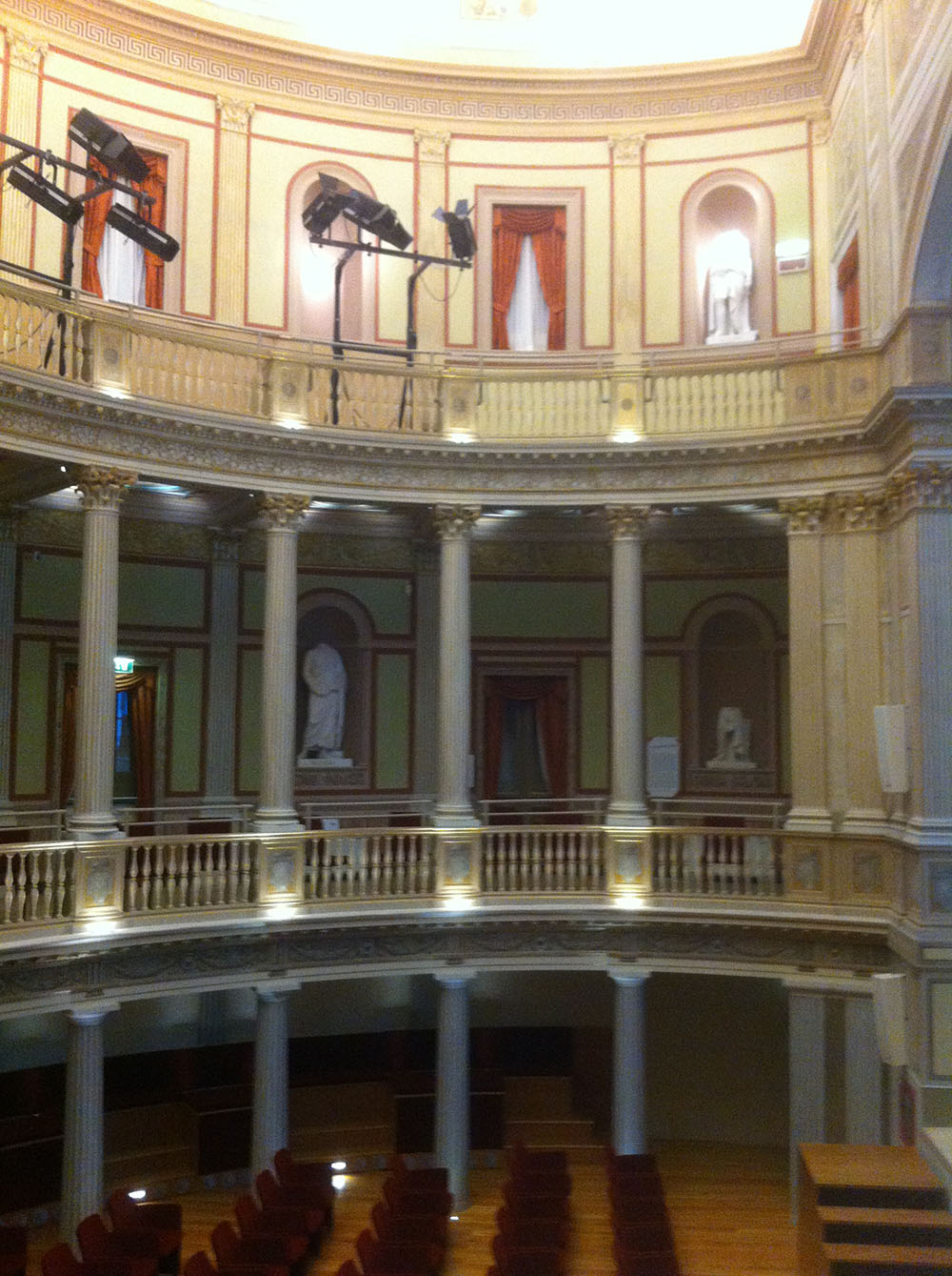 17 la galleria del Teatro al termine dei lavori di restauro