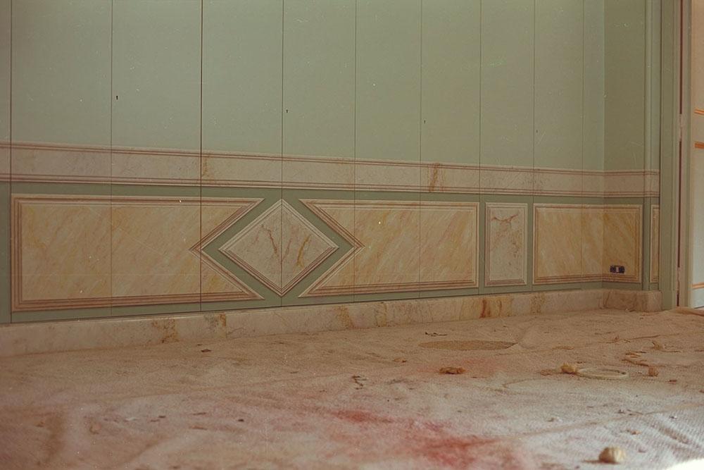 L 1 Appartamento privato - realizzazione di lambris a finto marmo su un armadio