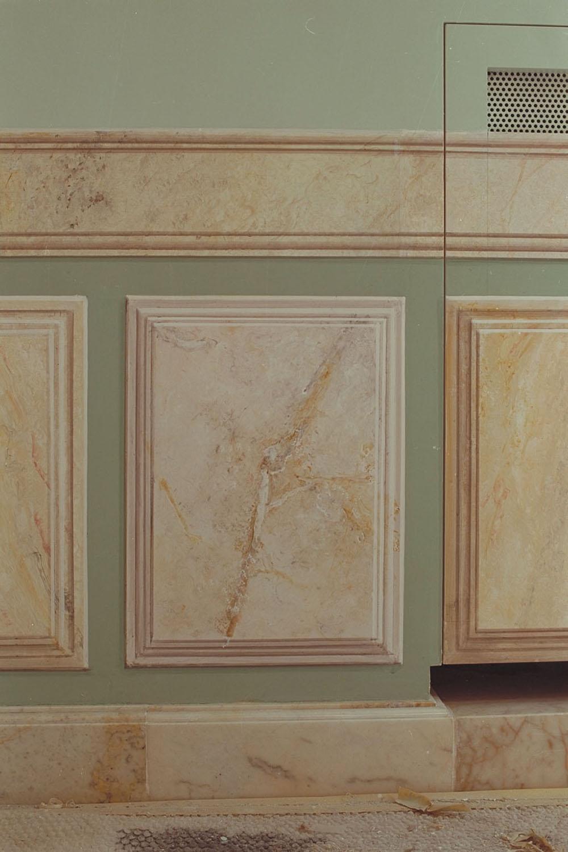 L 5 Appartamento privato - realizzazione di lambris a finto marmo dettaglio